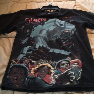 Tops - Juniors queen tee shirt